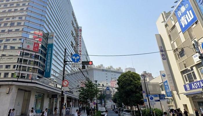 横浜タカシマヤ前