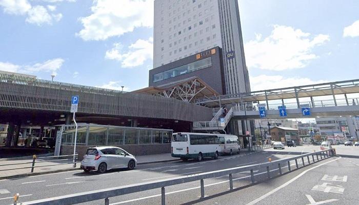 JR岡山駅西口乗降場前