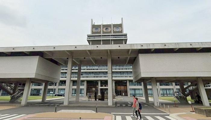 奈良県庁前