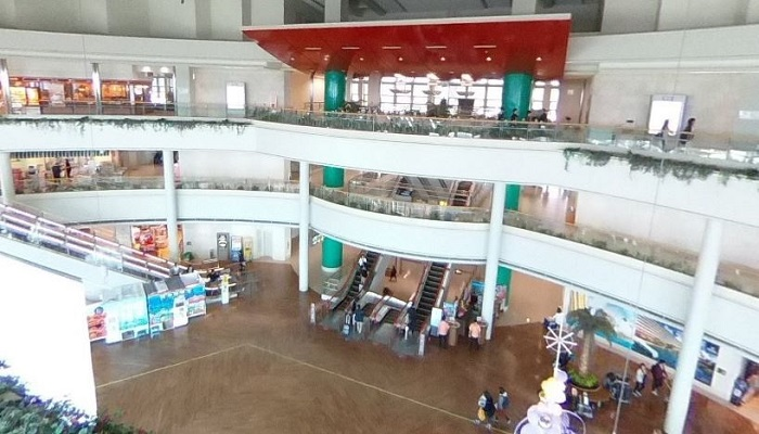 那覇空港到着ロビー