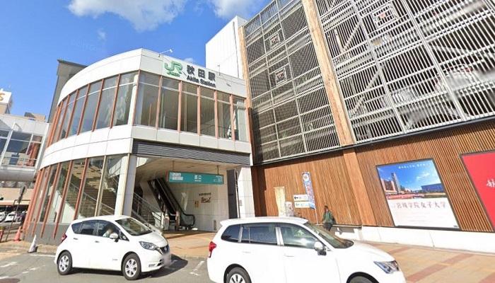 秋田ステーションビル・トピコ前