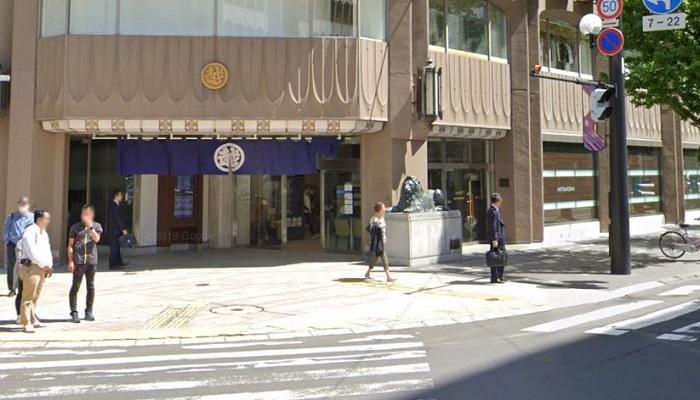 札幌三越ライオン像前