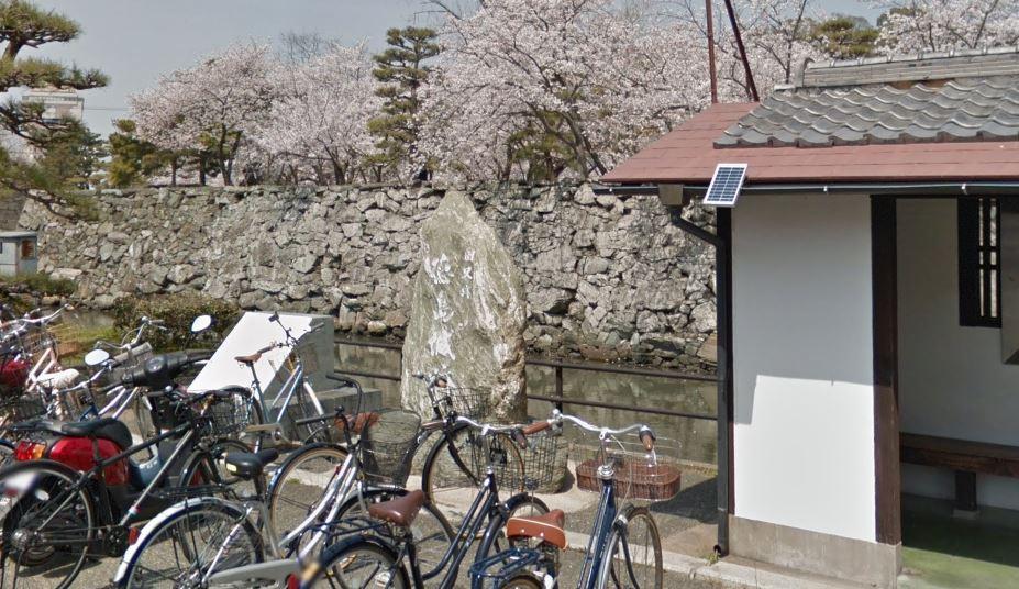 徳島城鷺の門の石碑前
